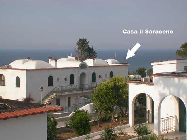 Casa del saraceno peschici case private a peschici for Piani di casa di 10000 piedi quadrati